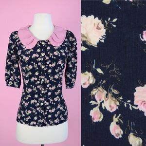 🌸 Vintage Floral Blouse With Pink Collar